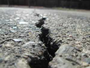 asphalt crack seal